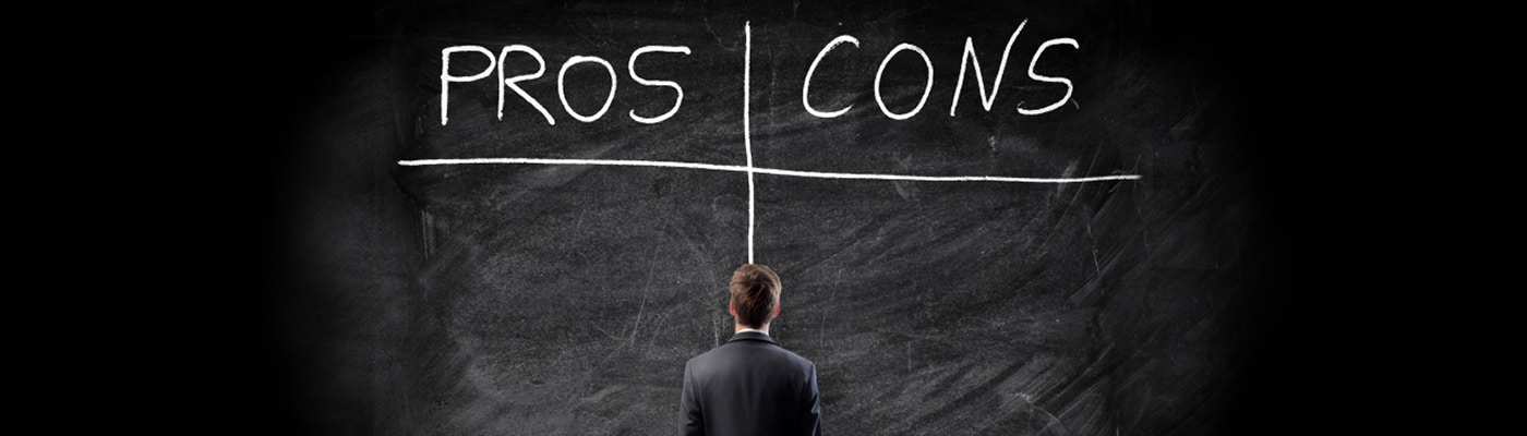 Pros-and-Cons-of-Exhibiting-VS-Attending-Tradeshows_1400x400