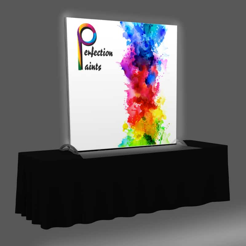 5 x 5 Backlit Display with graphic and LED lighting