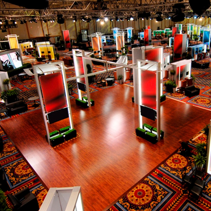 magnitude raised magnetic floor gallery image, tradeshow booth example overhead view
